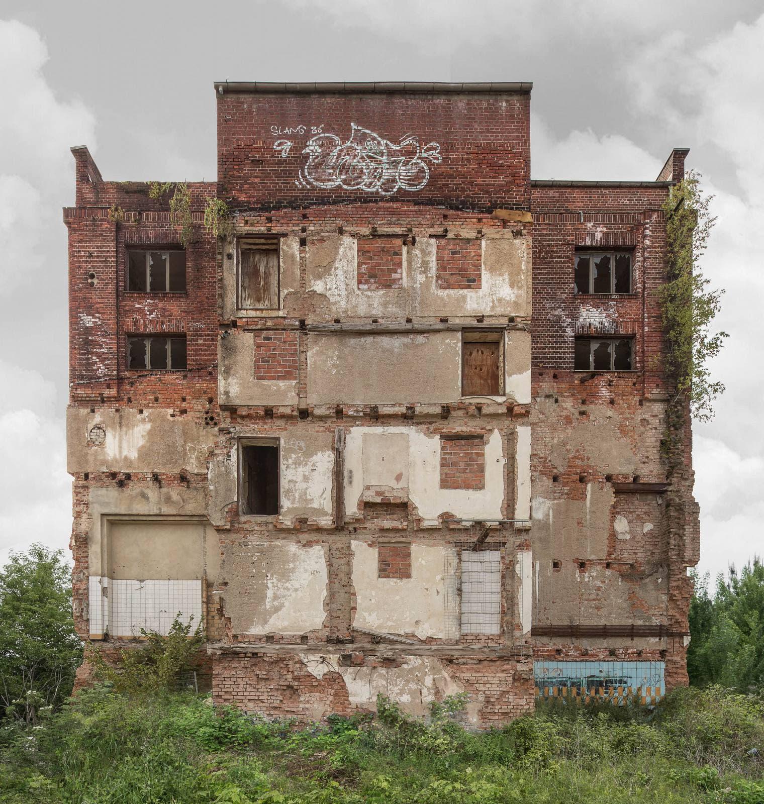 Regentaucher Architekturfotografie | Awaiting Leipzig Swiderski Ost
