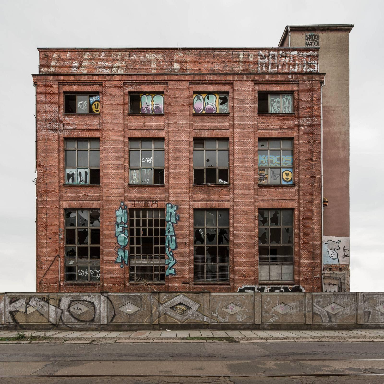 Regentaucher Architekturfotografie | Awaiting Leipzig Swiderski West