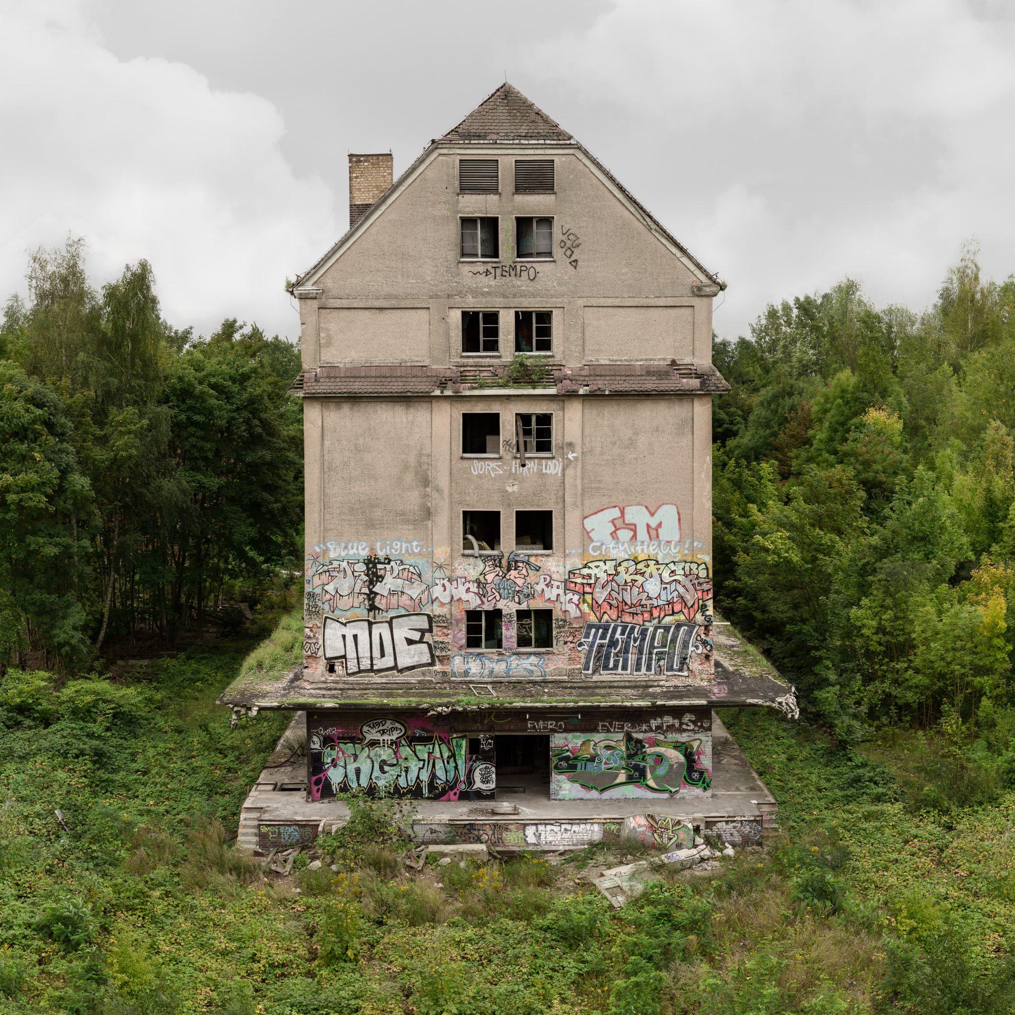Regentaucher Architekturfotografie | Awaiting Leipzig Tempo