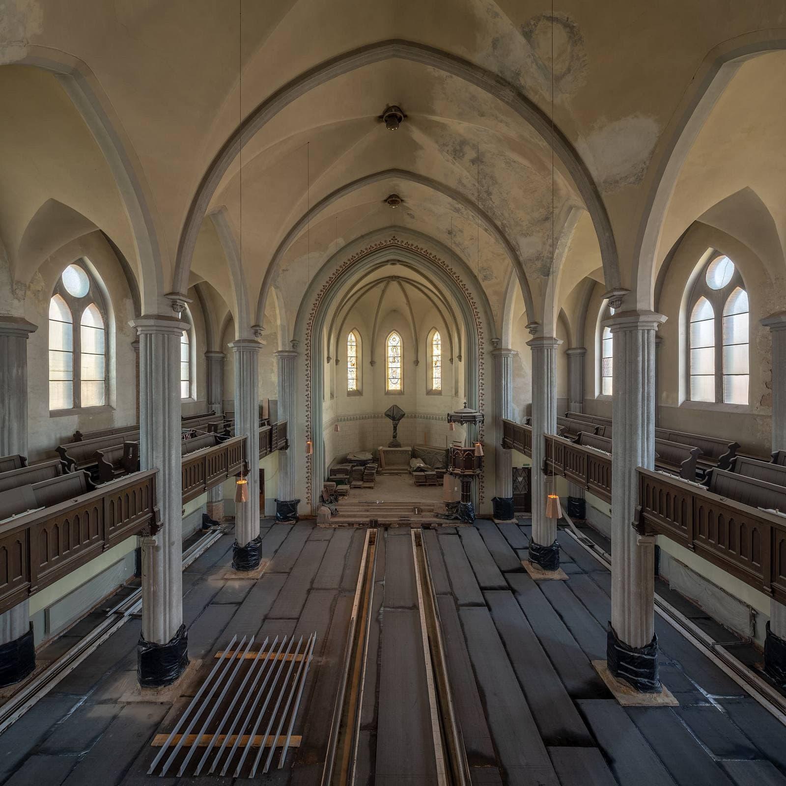 Regentaucher Architekturfotografie | Friedenskirche Leipzig
