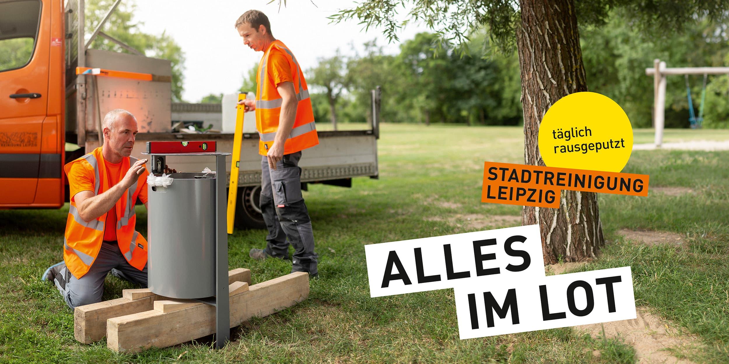 Stadtreinigung Leipzig - Portraitfotografie während der Installation eines Papierkorbs im Clara-Park Leipzig.  © Regentaucher Fotografie